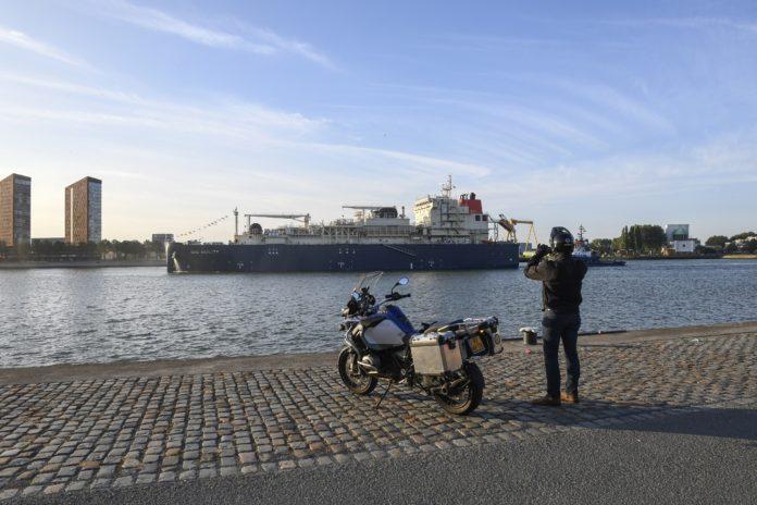 Grootste LNG-bunkerschip