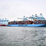 Tientallen containerschepen